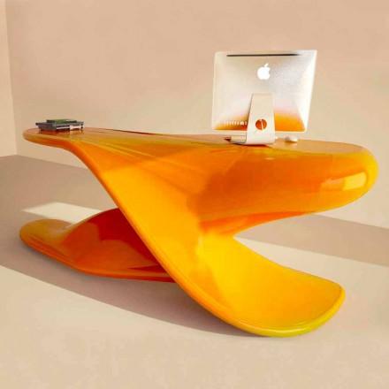 Birou de design realizat de Archer de mână