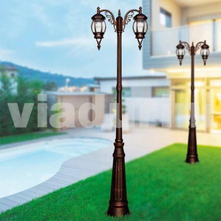 Suportul clasic exterior, realizat din aluminiu turnat sub presiune, a făcut din Italia, Anika