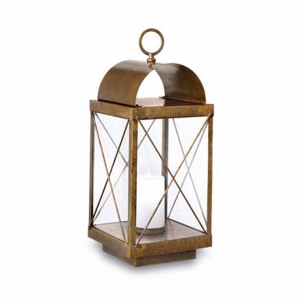 Lantern în aer liber de pe Pământ cu Marele lumânare Il Fanale