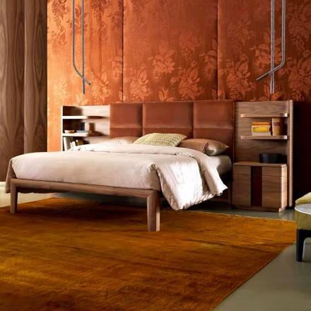 Grilli York a făcut din Italia lemn din lemn masiv, tapițat