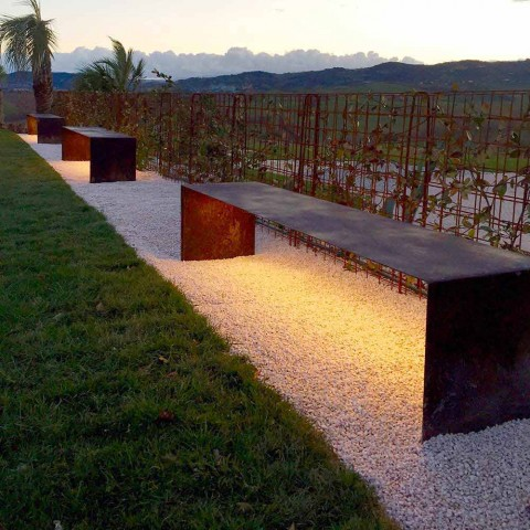 Bancă de exterior fabricată manual din oțel cu lumină LED Made in Italy - Magdalena