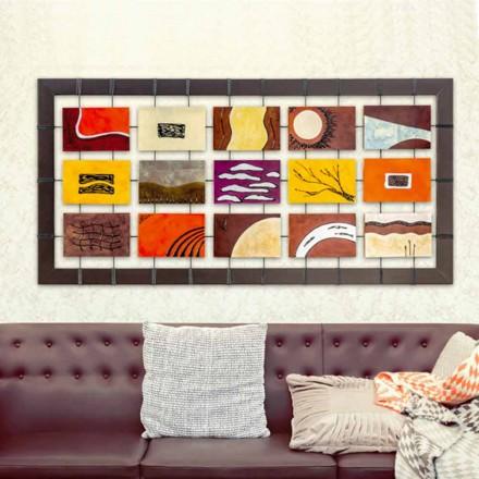 Imagine modernă completată cu panouri de relief suspendate pe frânghii înțelepte