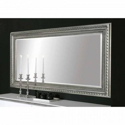 Claudio a realizat o oglindă modernă din lemn cu design modern